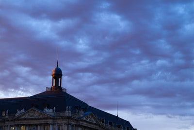 Why the French have a different image of the web and France has a different perception of the internet